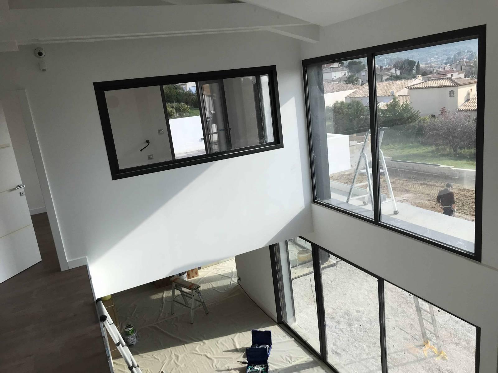 Fenêtre en aluminium gris anthracite Sud Profil - Grand Sud Habitat
